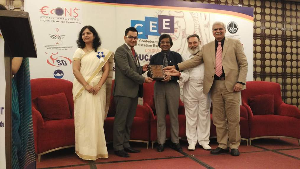 Receiving the CEE Young Teacher Award 2015